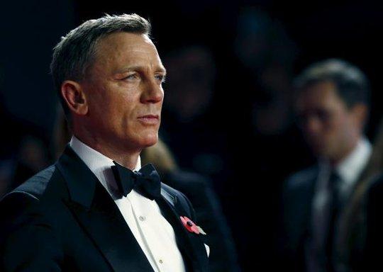 Daniel Craig tiếp tục thủ vai điệp viên 007 - Ảnh 1.