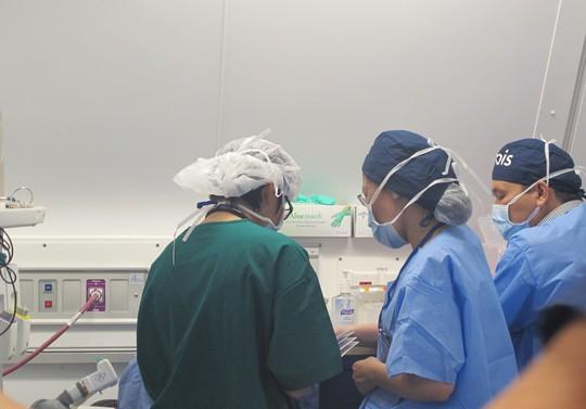 Soi nội thất bệnh viện bay hiện đại số 1 thế giới - Ảnh 29.