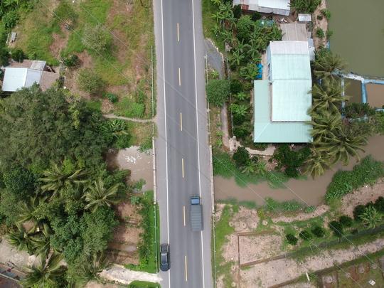 Cận cảnh 2 cây cầu biến mất ở đường tránh Cai Lậy - Ảnh 4.