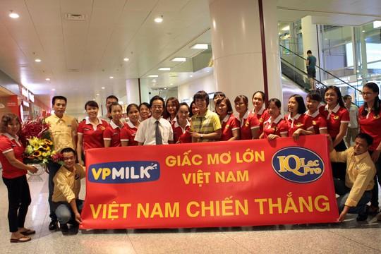 Ngày về rạng ngời của tuyển bóng đá nữ Việt Nam - Ảnh 5.