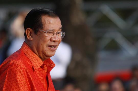 Ông Hun Sen thách thức Mỹ và EU đóng băng tài sản - Ảnh 1.