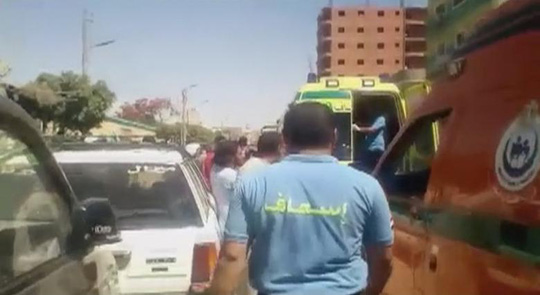 Ai Cập không kích Libya sau vụ thảm sát trên xe buýt - Ảnh 3.
