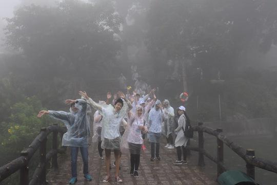 100 bạn trẻ Việt kiều về Đồng bằng sông Cửu Long dự trại hè - Ảnh 8.