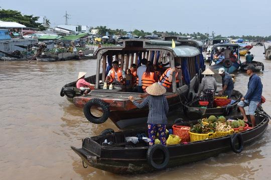 100 bạn trẻ Việt kiều về Đồng bằng sông Cửu Long dự trại hè - Ảnh 5.