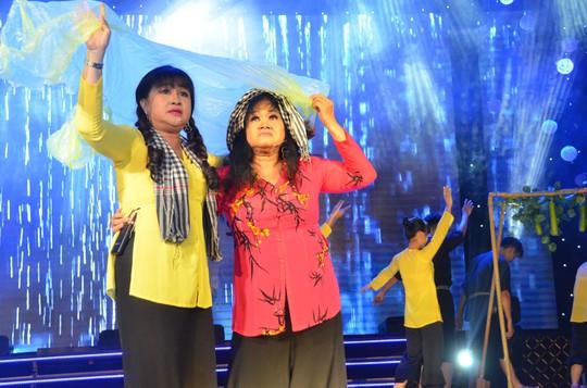Quốc Thiên, Ali Hoàng Dương cuốn hút trong đêm 5 Mai Vàng kết nối - Ảnh 8.
