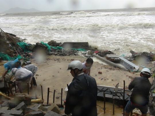 Khánh Hòa: Ít nhất 23 người thiệt mạng do bão số 12 - Ảnh 2.