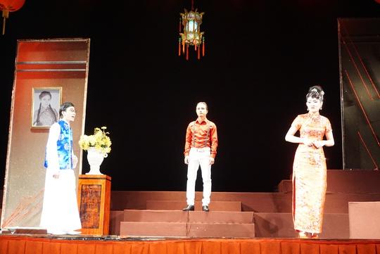 NSƯT Nguyễn Công Ninh xúc động chứng kiến nữ đạo diễn cải lương trẻ - Ảnh 4.