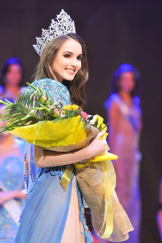 Người đẹp Việt Nam đoạt giải cao tại Hoa hậu Đại sứ Du lịch Thế giới 2017 - Ảnh 2.