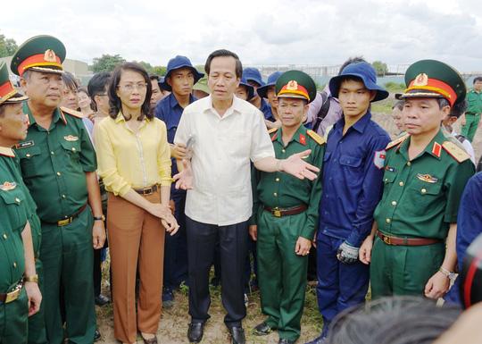 Toàn cảnh tìm hài cốt liệt sĩ ở sân bay Tân Sơn Nhất - Ảnh 9.