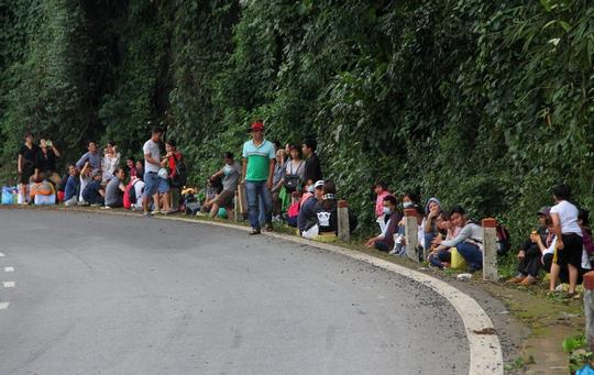 Xe khách đụng nhau trên đèo Bảo Lộc, hơn 80 người hoảng loạn - ảnh 3