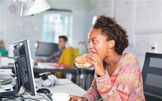 Nhai chậm lại, nguy cơ tiểu đường giảm 80% - ảnh 1
