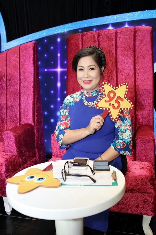 NSND Hồng Vân được con gái lớn Xí Ngầu làm stylist riêng trong 'Sao Nối Ngôi' phiên bản thiếu nhi