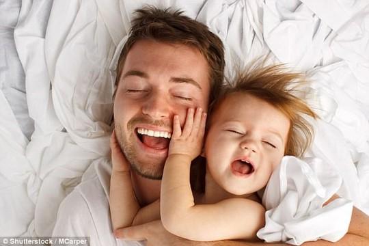 Nam giới có nên có con khi đã vào tuổi trung niên? - Ảnh 1.