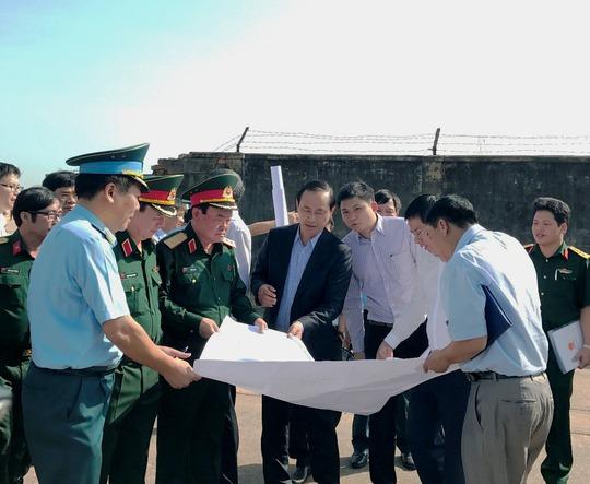 Đề nghị mở thêm cổng mới cho sân bay Tân Sơn Nhất - Ảnh 2.