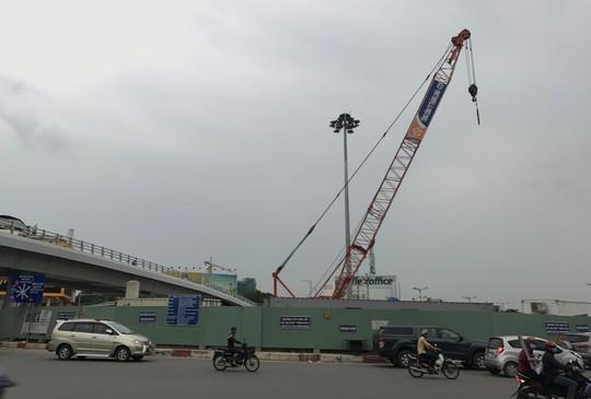 Cho một công ty tiếp tục thi công dự án cầu vượt cửa ngõ Tân Sơn Nhất - Ảnh 1.