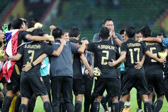 Thủ môn Malaysia giúp U22 Thái Lan vô địch - Ảnh 1.