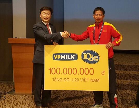 VPMilk tặng U20 Việt Nam 100 triệu sát thềm World Cup - Ảnh 1.
