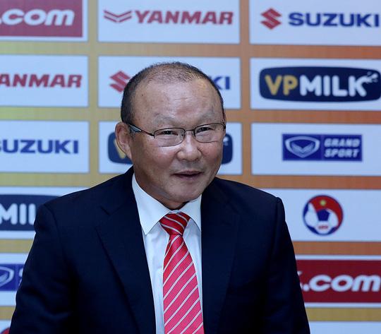 HLV Park Hang Seo sang Việt Nam, CLB nhà lập tức chiến thắng - Ảnh 1.