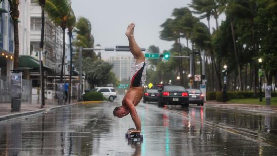 Mỹ: Thành phố ma chờ bão Irma - Ảnh 2.