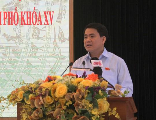 Chủ tịch Nguyễn Đức Chung: Không thể trồng xà cừ trên phố - Ảnh 1.