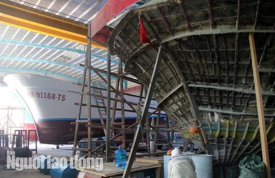 Đột kích 1 nhà máy đóng tàu composite lớn nhất nước - Ảnh 7.