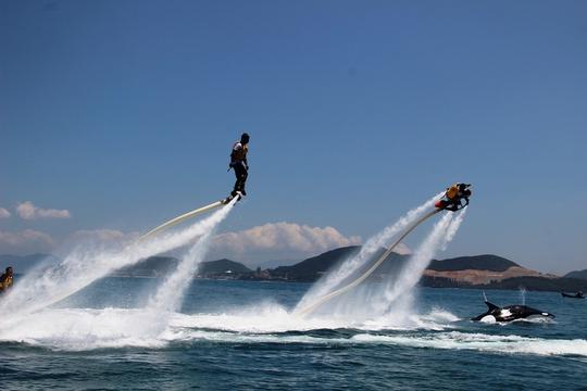 Các trò chơi thể thao trên biển hút du khách
