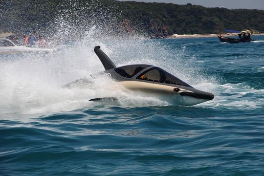 Xem loại tàu lặn của tổng thống Donald Trump tại biển Nha Trang