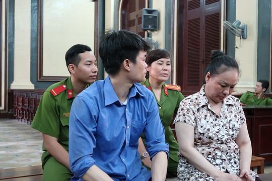 Vào sân bay Tân Sơn Nhất giao 7,2 kg ma túy - Ảnh 1.
