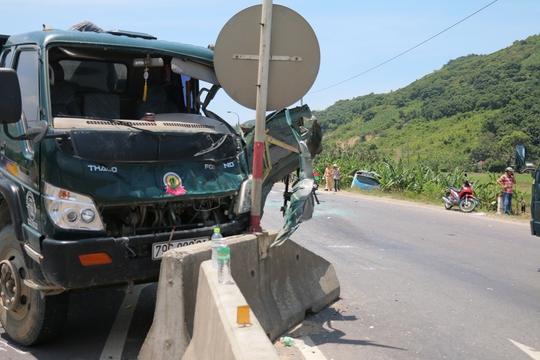 Tai nạn liên hoàn trên Quốc lộ 1, 1 tài xế chết tại chỗ - ảnh 3