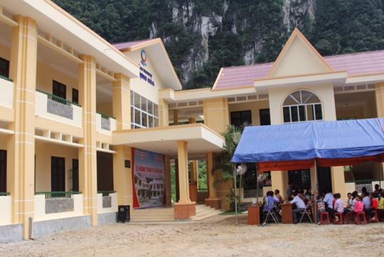 Vietnam Airlines xây trường tặng học sinh vùng cao Quảng Bình - Ảnh 1.