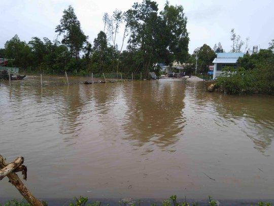 Phú Quốc: Nhà dân bị ngập do suối thoát nước bị lấn - Ảnh 4.
