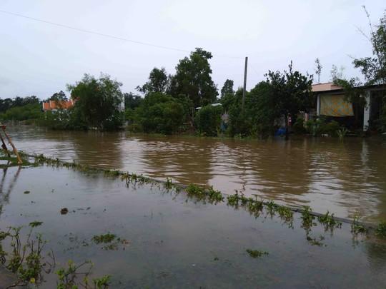 Phú Quốc: Nhà dân bị ngập do suối thoát nước bị lấn - Ảnh 3.