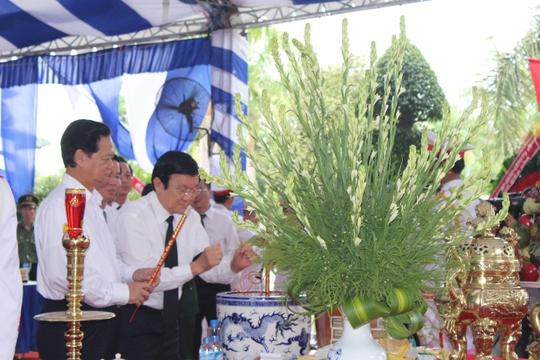 Các ông Trương Tấn Sang, Nguyễn Tấn Dũng dự lễ truy điệu liệt sĩ - Ảnh 2.
