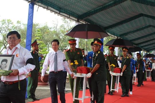 Các ông Trương Tấn Sang, Nguyễn Tấn Dũng dự lễ truy điệu liệt sĩ - Ảnh 3.
