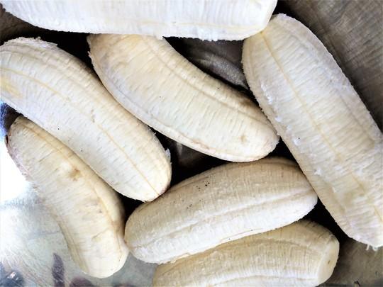 Chuối nướng nước cốt dừa: Món ngon ngày mưa gió - Ảnh 3.