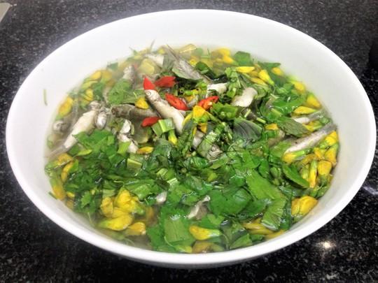 Canh chua cá linh, món ăn dân dã quê nhà