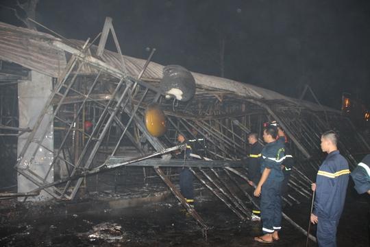 Cháy kinh hoàng ở chợ đêm Phú Quốc - Ảnh 3.