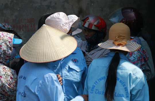 Cháy xưởng bánh kẹo ở Hà Nội, 8 người tử vong - Ảnh 11.