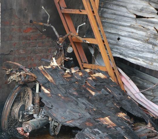 Cháy xưởng bánh kẹo ở Hà Nội, 8 người tử vong - Ảnh 15.