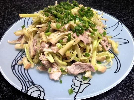 Bồn bồn xào thịt: Món ăn dân dã quê nhà - Ảnh 3.