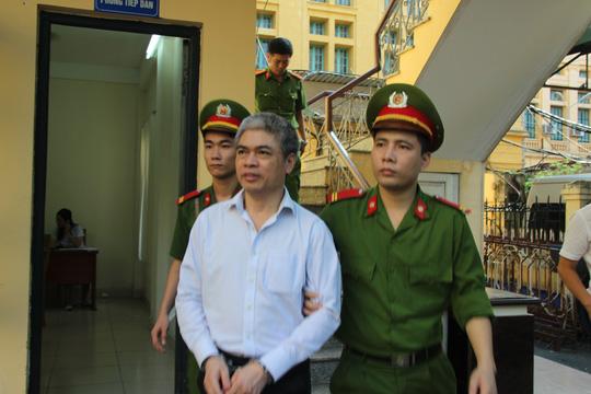 Hà Văn Thắm: Tôi kiểm soát và biết rõ tài sản của Nguyễn Xuân Sơn - Ảnh 2.