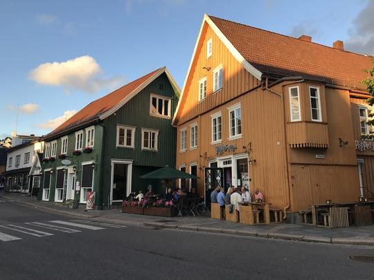 Đến Na Uy, ghé thăm 3 nàng tiên cá - Ảnh 8.