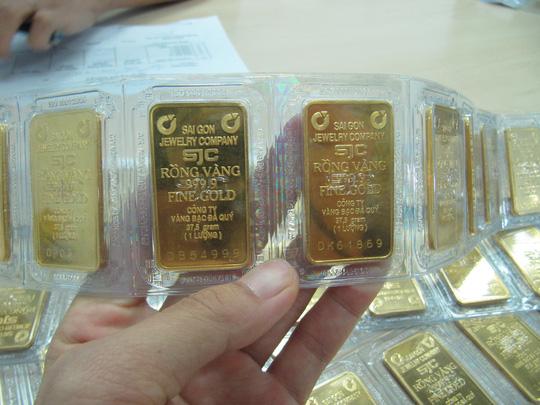 Giá vàng biến động mạnh - Ảnh 1.