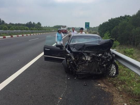 Tai nạn khiến các xe đều hư hại nặng