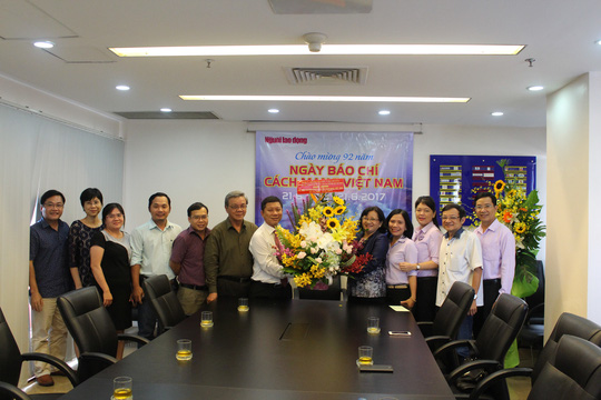 Lãnh đạo TP HCM thăm Báo Người Lao Động - Ảnh 1.