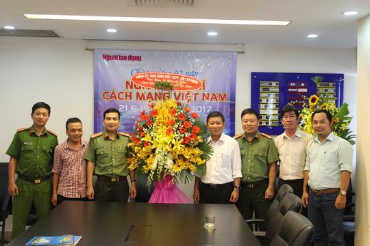 Lãnh đạo TP HCM thăm Báo Người Lao Động - Ảnh 2.