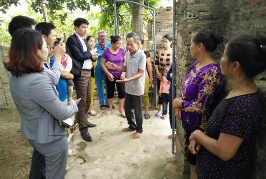 Vụ Vợ bí thư thôn nhận cứu trợ lũ lụt: Yêu cầu thu lại quà cấp sai - Ảnh 2.