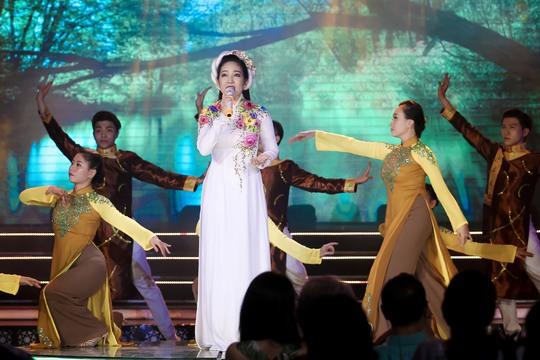 Thanh Thúy, Hạ Trâm cuốn hút đêm 10 Mai Vàng kết nối - Ảnh 2.
