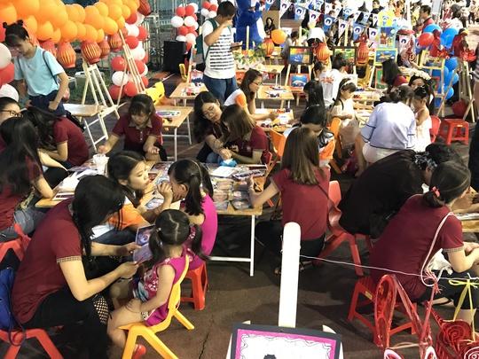 Saigon Academy chia sẻ yêu thương với trẻ em nghèo qua đêm hội trung thu - Ảnh 2.