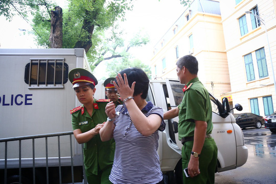 Cựu ĐBQH Châu Thị Thu Nga nhận án chung thân, bồi thường 55 tỉ đồng - Ảnh 3.